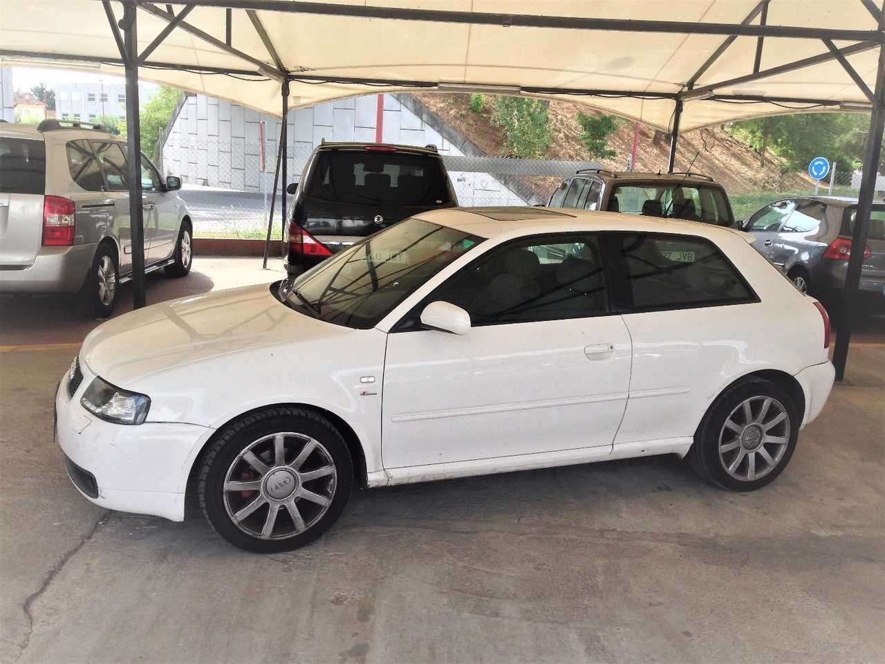 Audi A3 1.9 TDI   - Foto 1