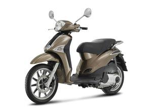 Piaggio X 10 hemos recibido 13 motos km 0  - Foto 6