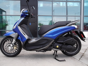 Piaggio X 10 hemos recibido 13 motos km 0  - Foto 3