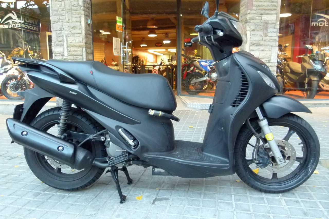 Suzuki Sixteen 150   - Foto 1