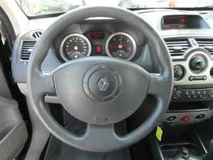 Renault Megane Coupe 1.5 DCI 100 CV MEJOR VER  - Foto 2
