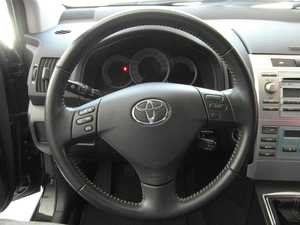 Toyota Corolla Verso 2.2  D4D 177 CV 7 PLAZAS  - Foto 2