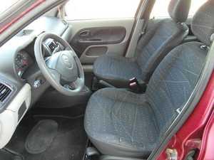 Renault Clio 1.5 DCI 80 CV MUY CUIDADO  - Foto 3