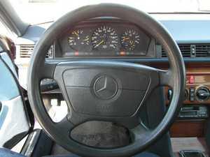 Mercedes 300 E 300 D  136CV TODO UN CLASICO  - Foto 2