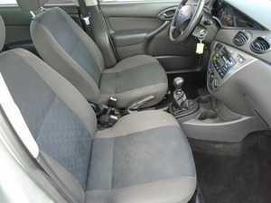 Ford Focus 1.8 TDCI 100 CV MEJOR VER  - Foto 3