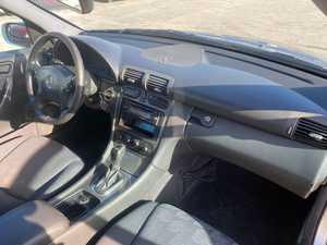Mercedes Clase C 220 DCI   143 CV  MUY CUIDADO  - Foto 3