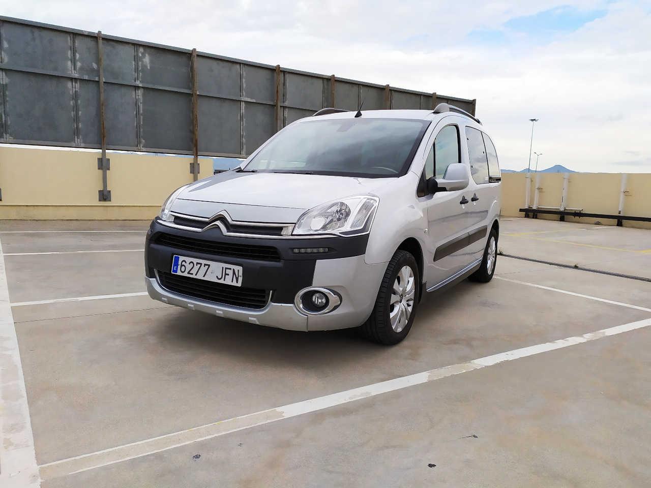 Citroën Berlingo XTR PLUS 7 PLAZAS 1.6HDI 92CV NAVI   - Foto 1