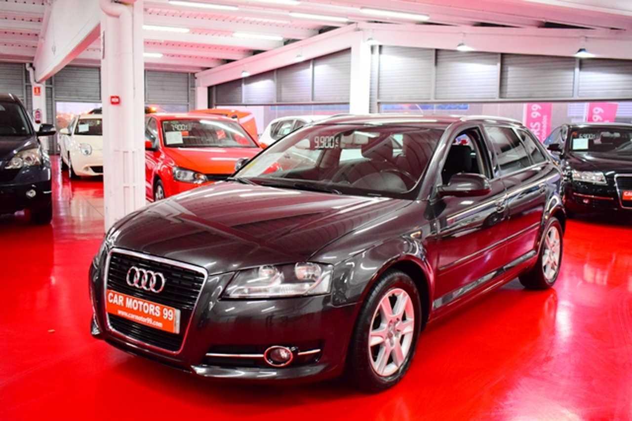 Audi A3 Sportback 1.6TDI Attraction S-Tronic NACIONAL-LIBRO REVISIONES  - Foto 1