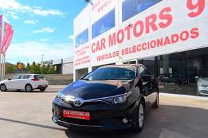 Toyota Auris Hybrid 140H Active Berlina, 5 A1 1798ccm 100/136cv IVA DEDUCIBLE PARA EMPRESAS  - Foto 2