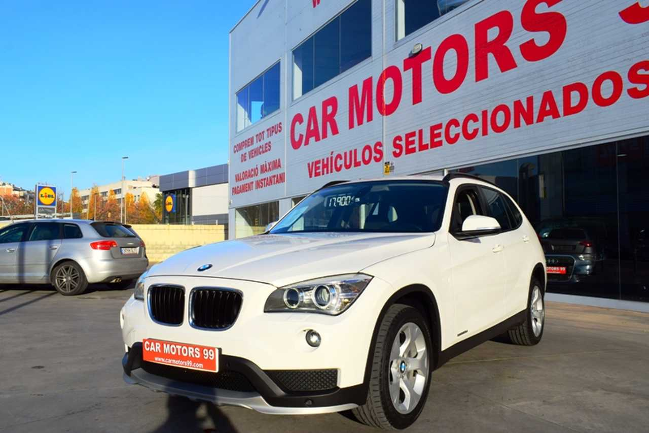 BMW X1 X1 sDrive 18d Essential Edition NACIONAL-LIBRO REVISIONES  - Foto 1