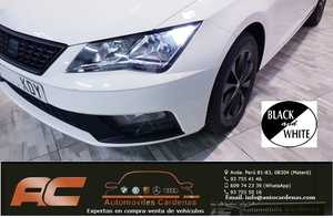 Seat Leon 1.2 TSI 110CV STYLE BLACK&WHITE EDTION LLANTAS,ESPEJOS,ANAGRAMAS EN NEGRO-CLIMA-USB  - Foto 2