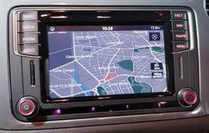 Volkswagen Tiguan 2.0 TDI 110CV BUSINESS NAVI TECHO PANORAMICO-NAVEGADOR GPS  - Foto 2