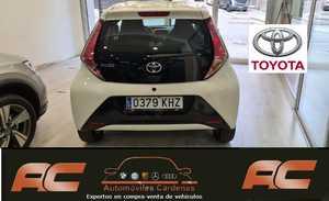 Toyota Aygo 1.0 70cv XPLAY 5 PUERTAS  CAMARA MARCHA ATRAS-A.ACONCIC-LLANTAS 8.990 KMS  - Foto 3