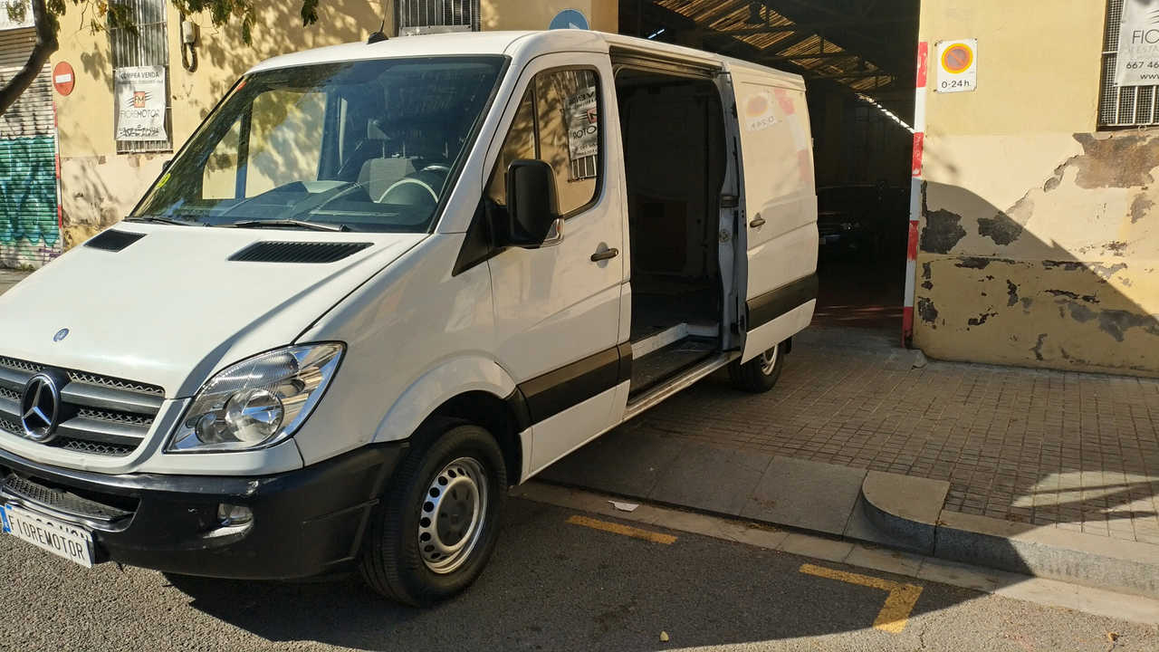 Mercedes Sprinter 310 CDI LARGO 3.5 T MEDIO   - Foto 1
