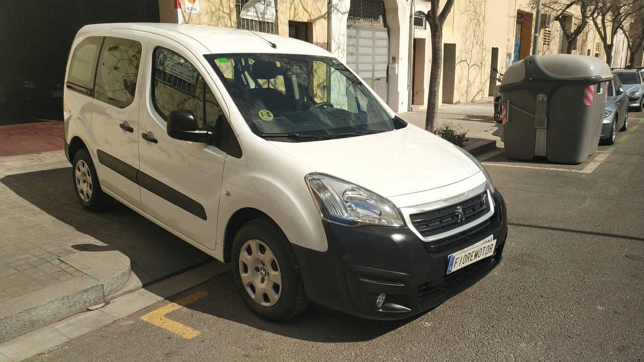 Peugeot Partner TEPEE ACCES 1.6HDI 92CV 4P   - Foto 1