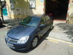 Opel Astra 1.7 CDTI ENJOY 4P   - Foto 3