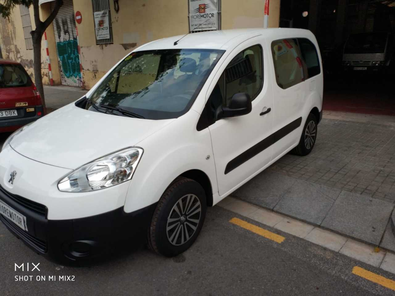 Peugeot Partner TEPEE ACCESS 1.6 HDI 75CV   - Foto 1