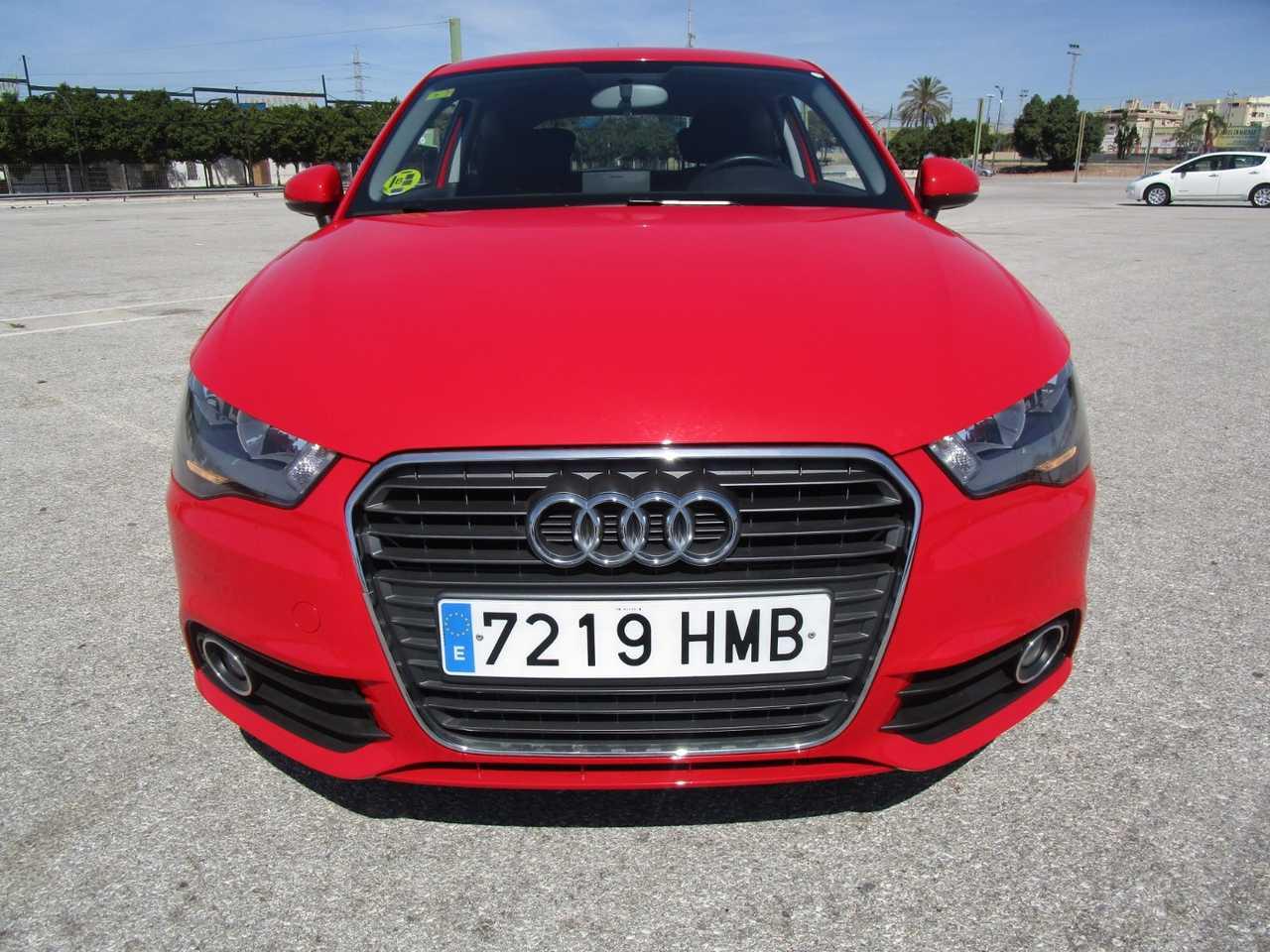 Audi A1 1.6 tdi advance 90 cv uso privado UN SOLO PROPIETARIO, CERTIFICADO DE KM Y CARROCERIA   - Foto 1