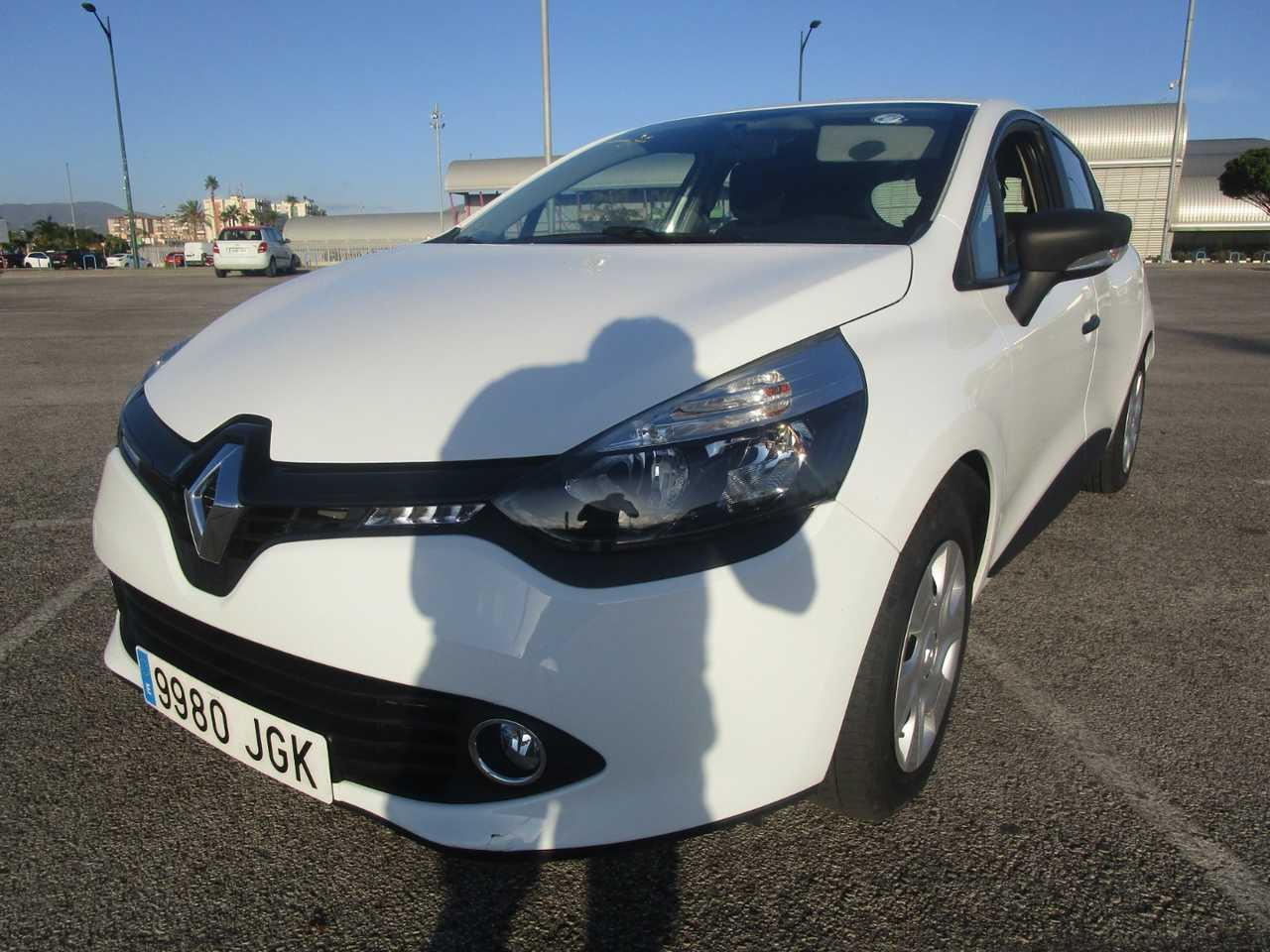 Renault Clio 4 15 DCI BUSINESS 75 CV UN SOLO PROPIETARIO, CERTIFICADO DE KM Y CARROCERIA   - Foto 1