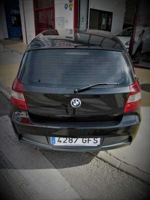 BMW Serie 1 118 D 5 PUERTAS UN SOLO PROPIETARIO, CERTIFICADO DE KM Y CARROCERIA   - Foto 3
