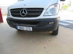 Mercedes Sprinter 210 CDI FURGON MOTOR CON 148000 KM GARANTIA UN SOLO PROPIETARIO, CERTIFICADO DE KM Y CARROCERIA   - Foto 2