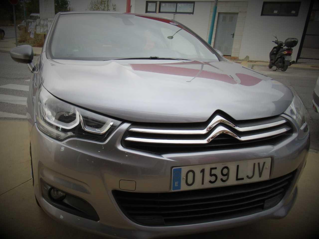 Citroën C4 1.6 HDI BLUE LIVE 120 CV EAT 6 UN SOLO PROPIETARIO, CERTIFICADO DE KM Y CARROCERIA   - Foto 1