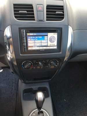 Suzuki SX4 1.6 GL AUTOMATICO UN SOLO PROPIETARIO, CERTIFICADO DE KM Y CARROCERIA   - Foto 3