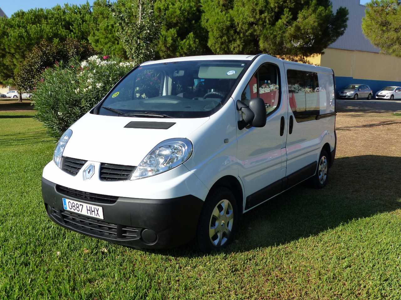 Renault Trafic 2.0 DCI MIXTA AUTORIZADA A NUEVE PLAZAS CERTIFICADA DE KM Y CARROCERIA  - Foto 1