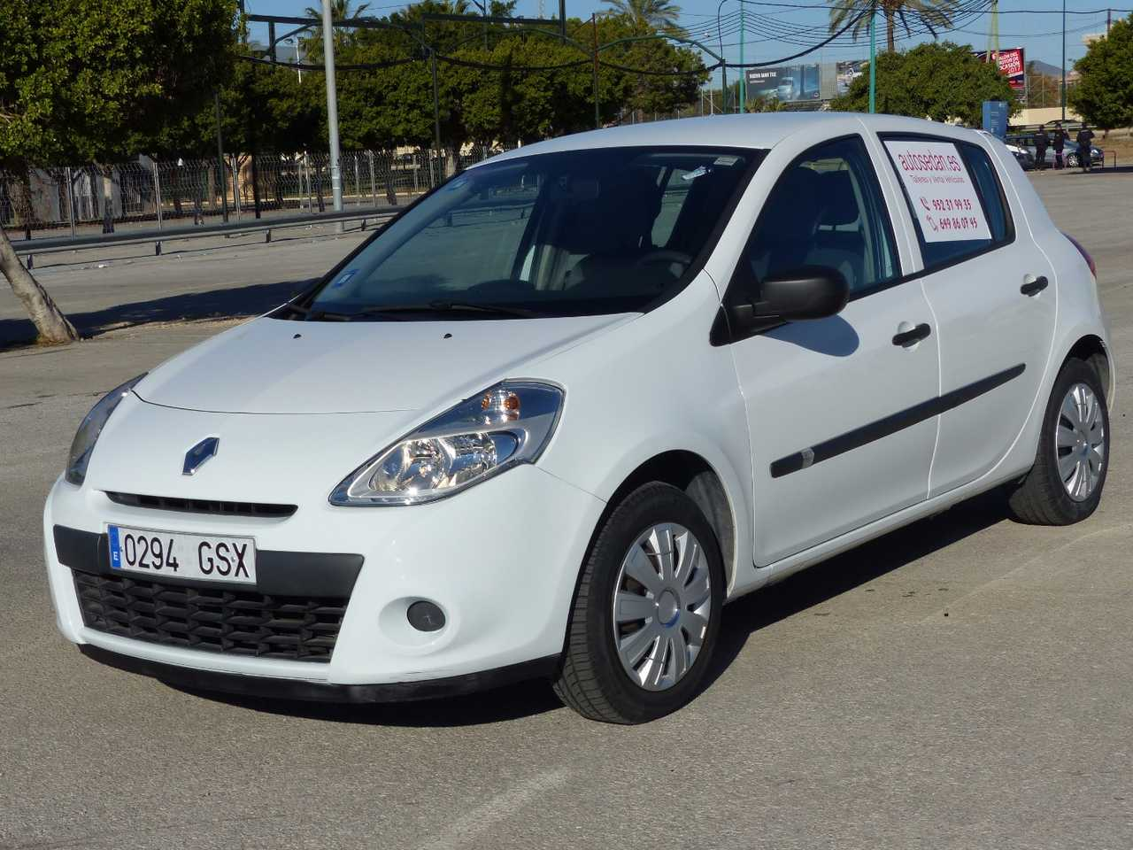 Renault Clio 1.5 DCI AUTHENTIQUE 75 CV ECO 2 CINCO PTAS NO PROCEDE DE RENT A CAR  - Foto 1