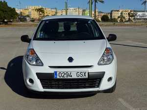 Renault Clio 1.5 DCI AUTHENTIQUE 75 CV ECO 2 CINCO PTAS NO PROCEDE DE RENT A CAR  - Foto 2