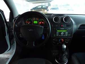Ford Fiesta 1.6 TDCI TREN 90CV USO PRIVADO KM CERTIFICADO   - Foto 2