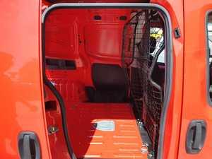 Fiat Fiorino Cargo 1.3 CDTI PUERTA CORREDERA  CERTIFICADO DE KM Y CARROCERIA  - Foto 2