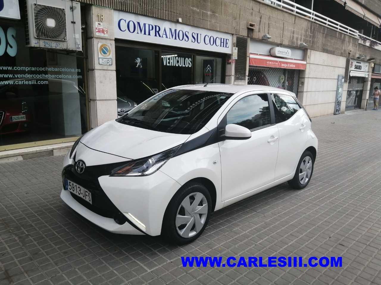 Toyota Aygo  1.0 70 xcite   - Foto 1