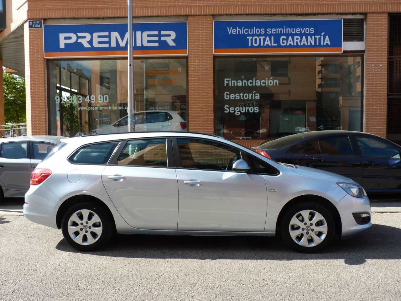 Opel Astra Sports Tourer  1.6 CDI BUSSINES  - Foto 1