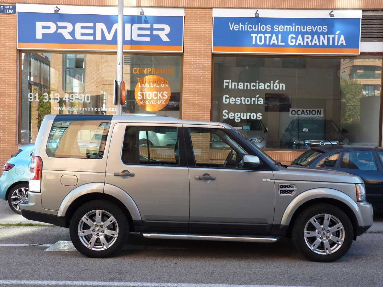 Land-Rover Discovery 4 3.0 TDV6 SD  - Foto 1