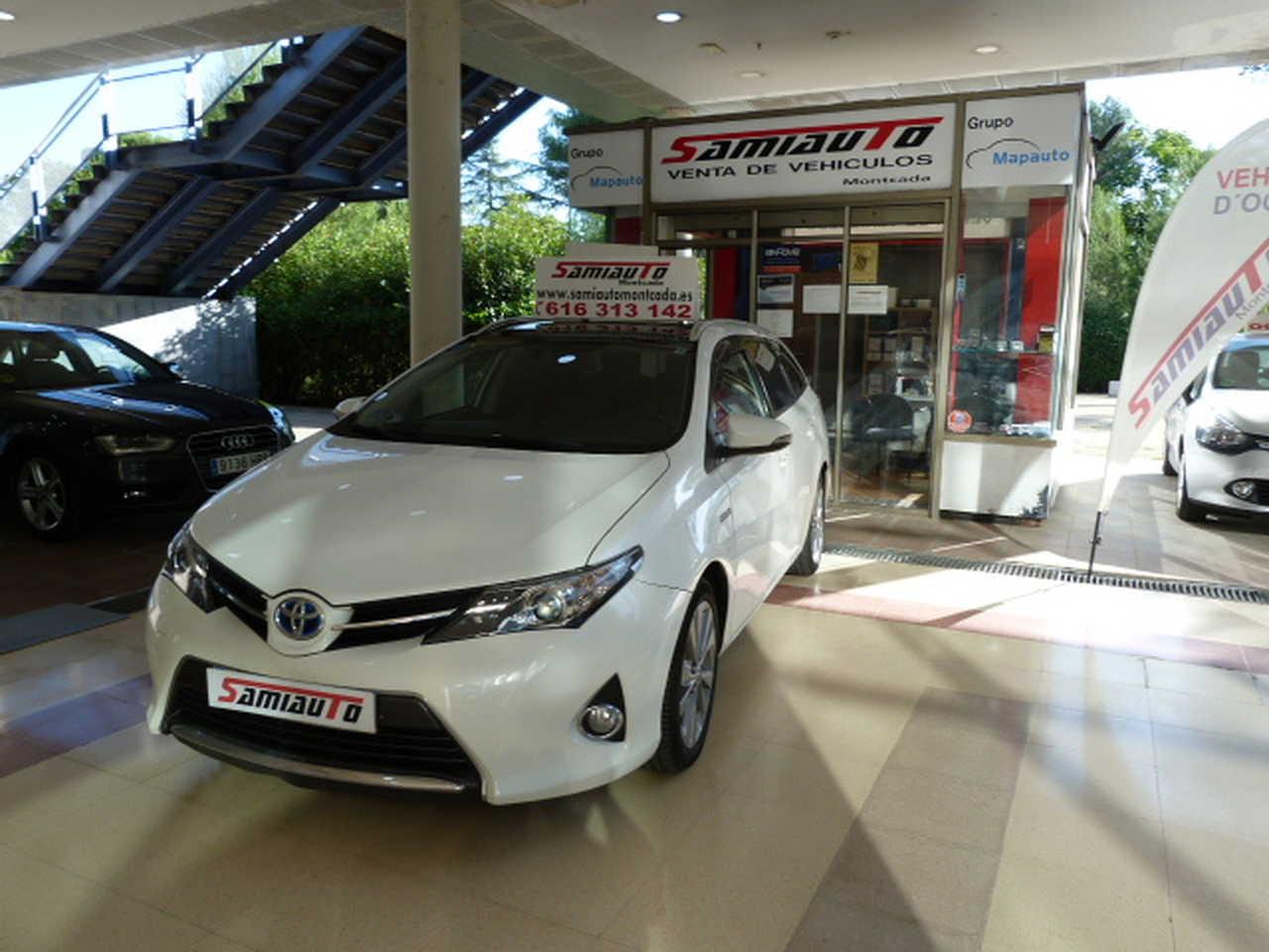 Toyota Auris Touring Sports Auris Hybrid Active Touring Sports libro de revisiones  - Foto 1