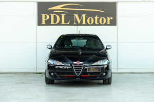Alfa Romeo 147 1.6 I 105 CV - 115 €/MES   - Foto 2