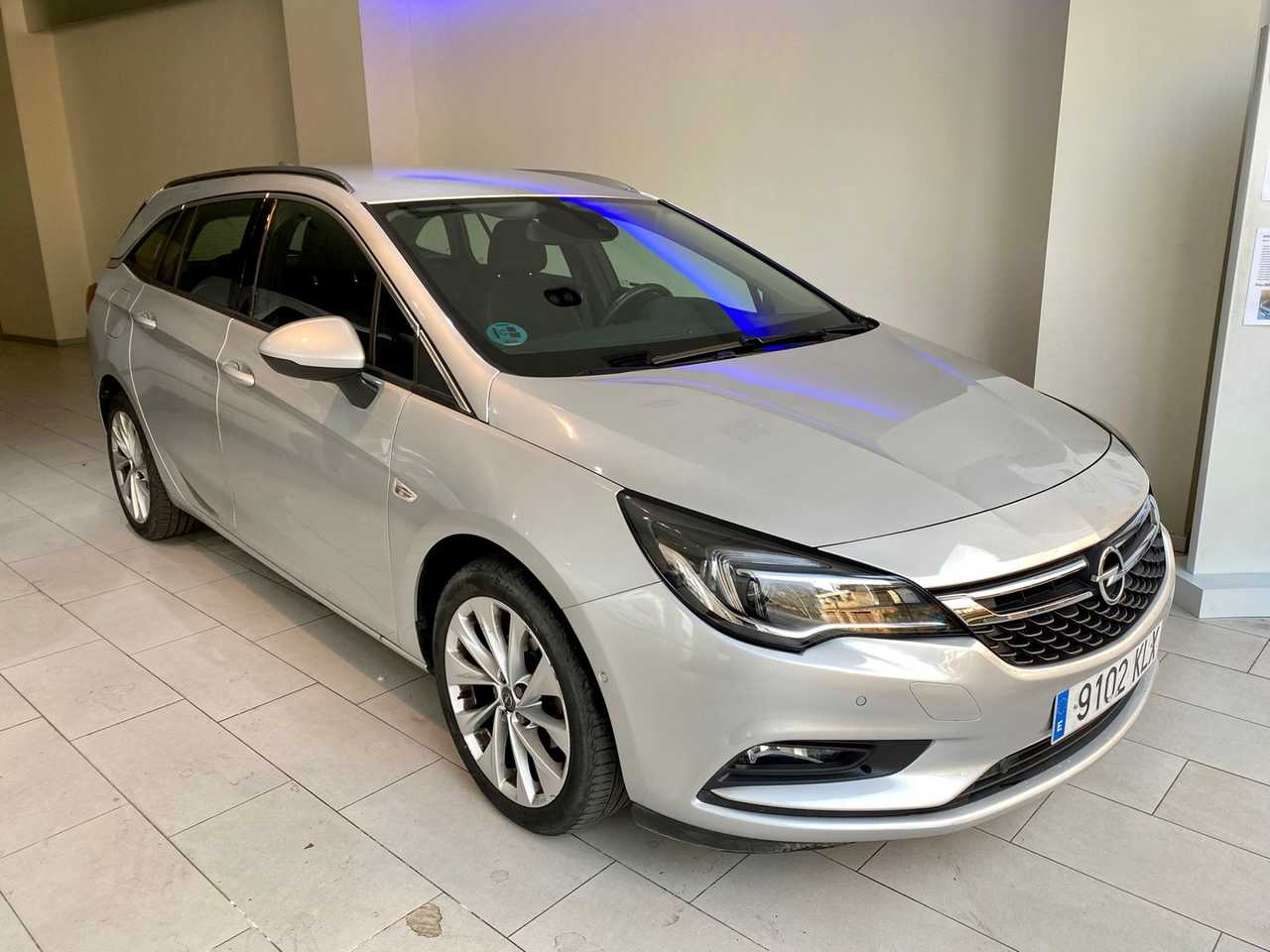 Opel Astra Sports Tourer  Excellence 1.4T Gasolina 150CV manual   - Foto 1