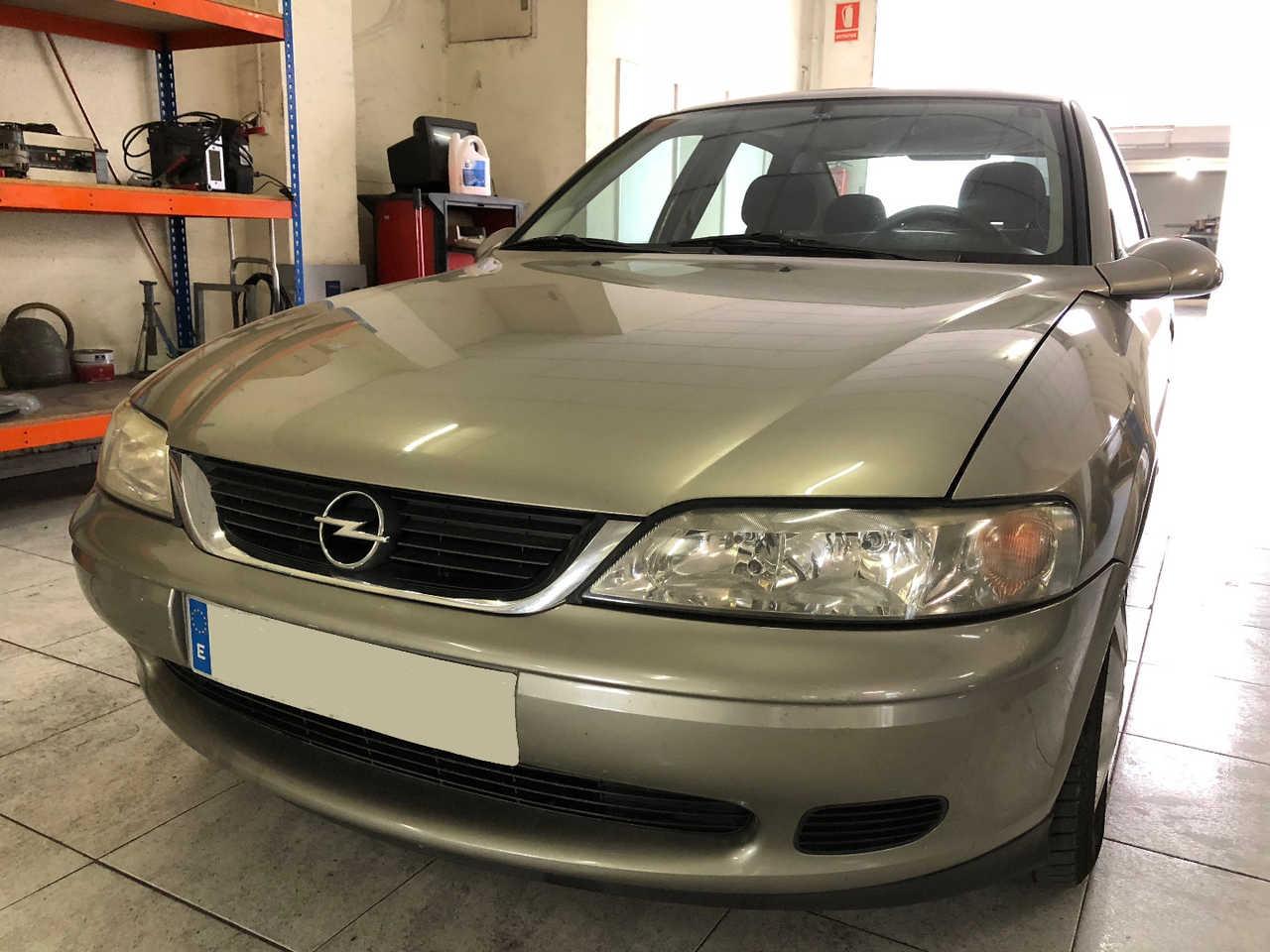 Opel Vectra 1.6 16V   - Foto 1