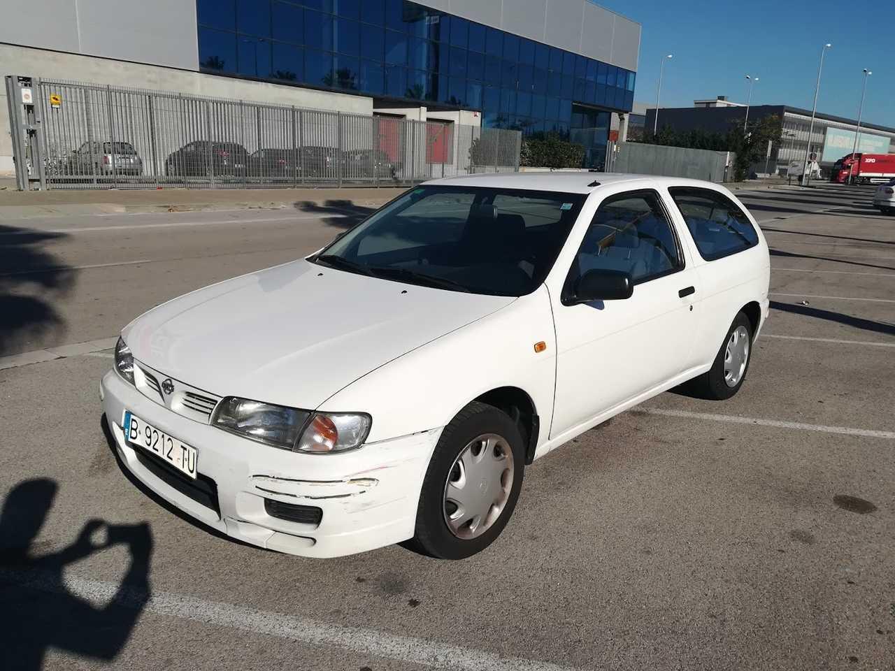 Nissan Almera 1.4G / s   - Foto 1