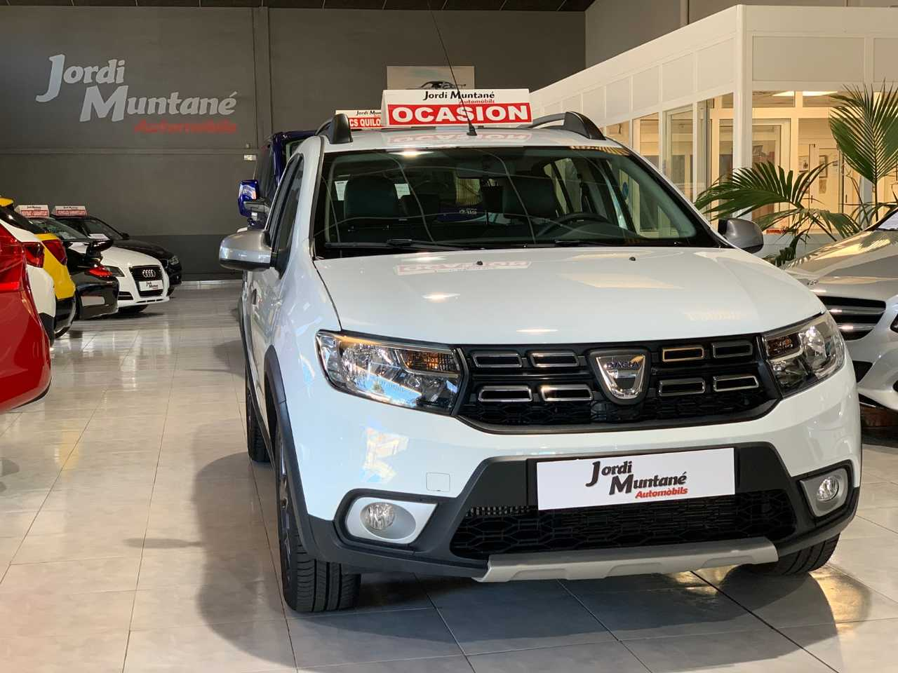 """Dacia Sandero Stepway Tce 90cv -. '' REESTRENO '' .- Solo 21.125 km  -. """"Navegador,sensor aparcamiento,bola remolque + extras"""".-  - Foto 1"""