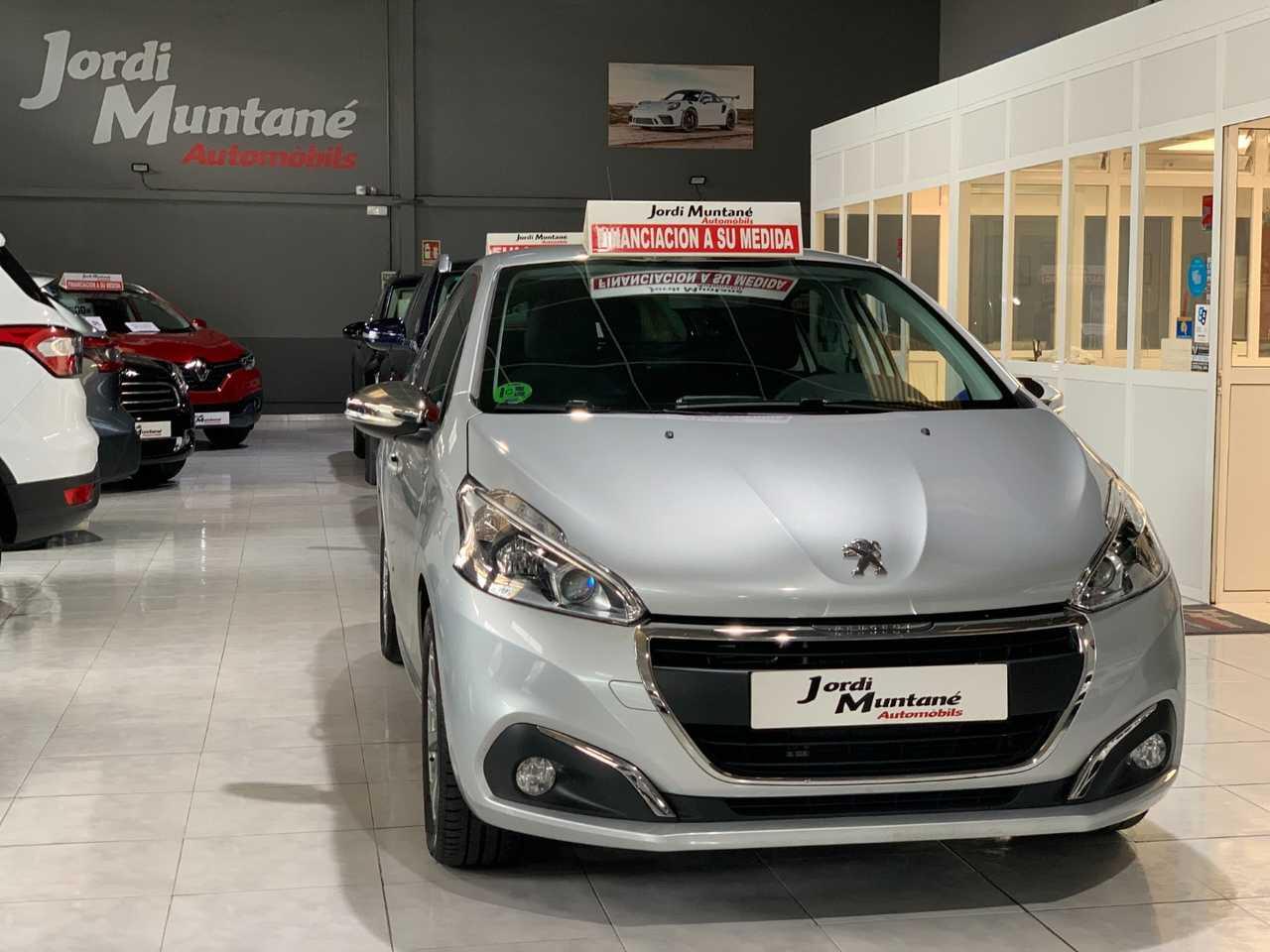 Peugeot 208 1.2 VTI 82cv.-