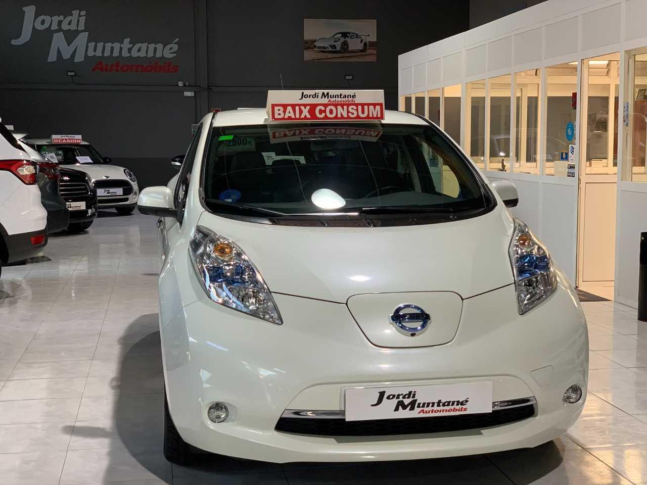 Nissan Leaf 30 KwH -. Tekna .-