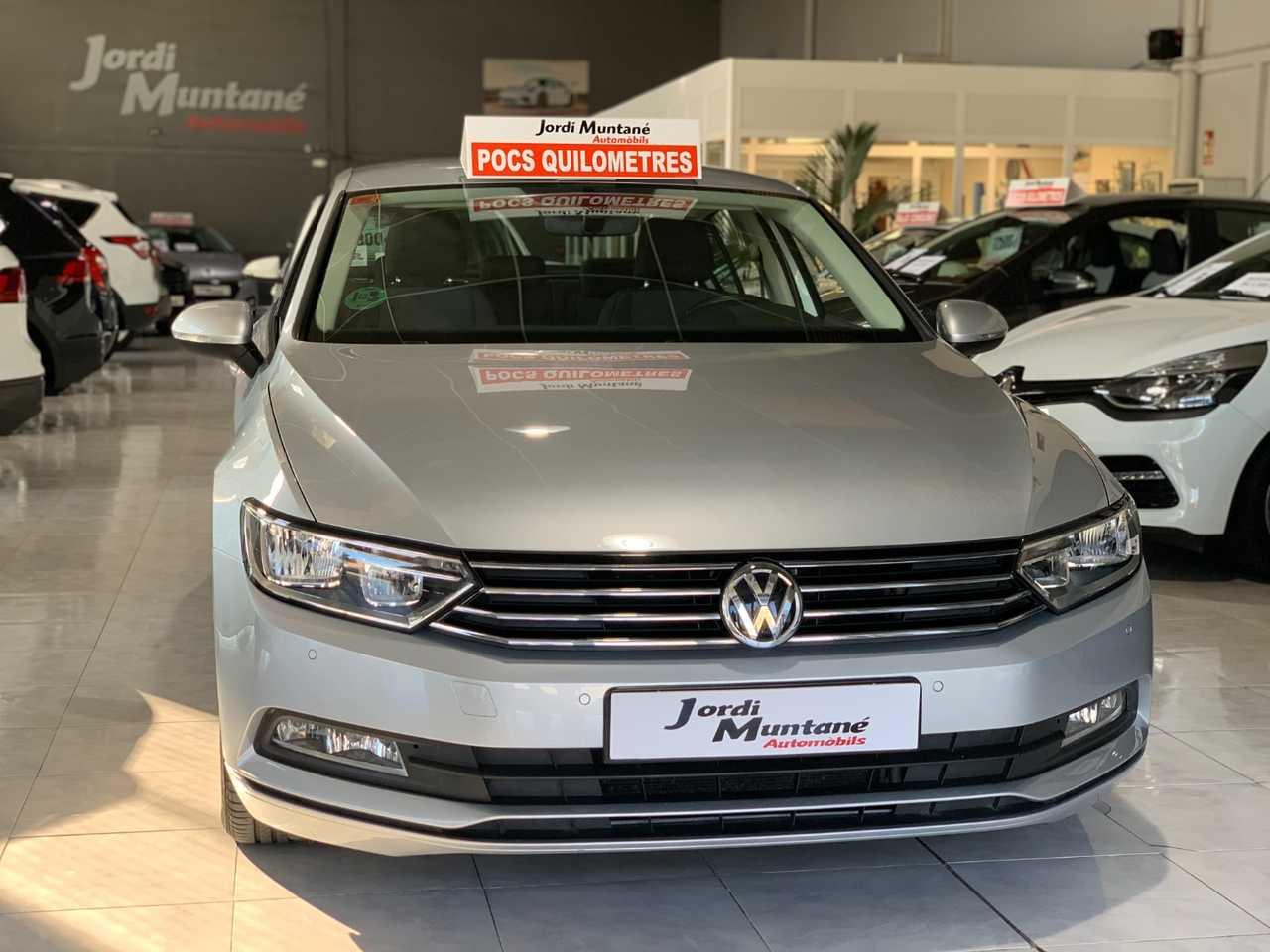 Volkswagen Passat 1.6 TDI 120CV BMT Edition .- '' MUY CUIDADO '' -.