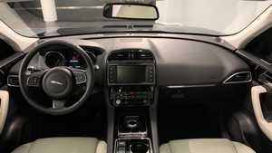 JAGUAR F-Pace 2.0i4D Prestige Aut. AWD 180  - Foto 3