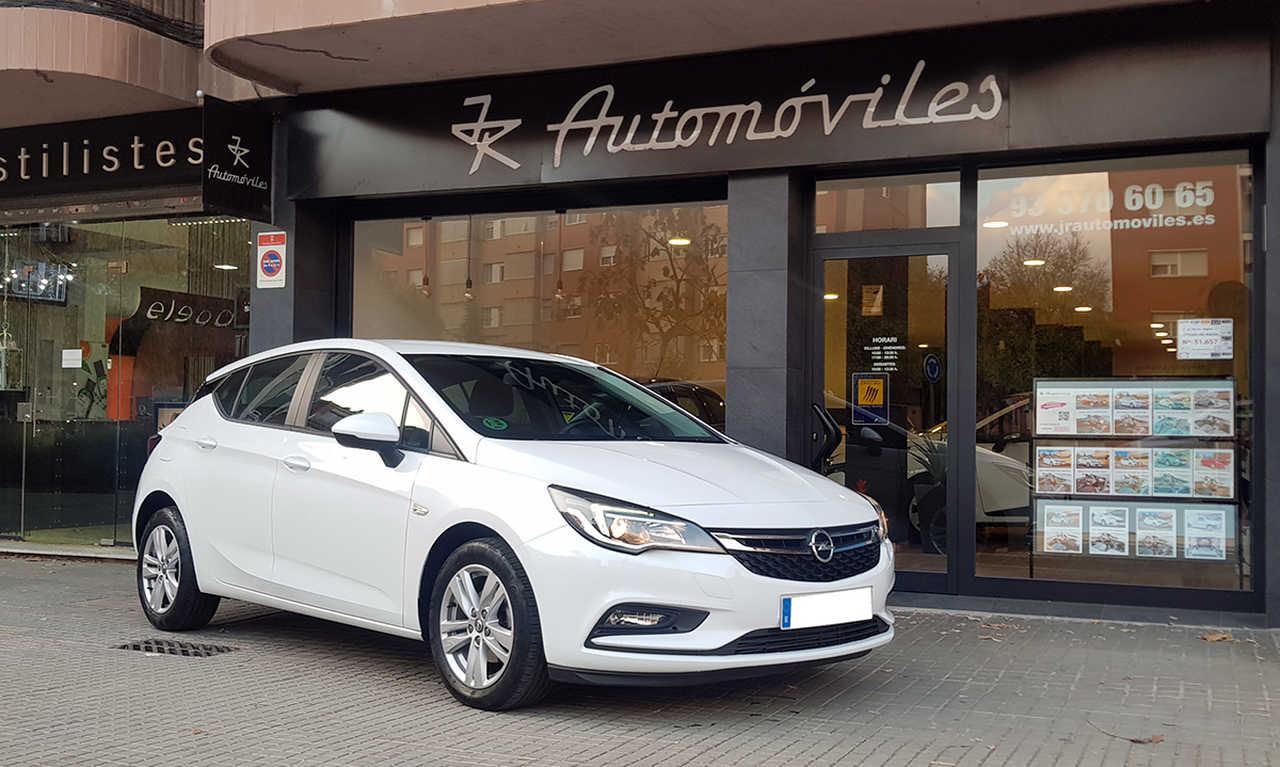 Opel Astra 1.6 CDTI 110CV. BUSINESS +  POCOS KMS. Y MUCHO EQUIPAMIENTO  - Foto 1