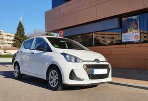 Hyundai i10 1.0 66CV. KLASS 5P IMPECABLE, POCOS KMS.  - Foto 2