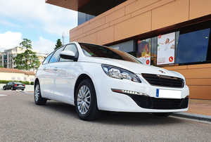 Peugeot 308 SW 1.6 BlueHDI 100CV. BUSINESS LINE S&S MUY BUEN ESTADO  - Foto 2