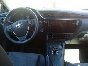 Toyota Auris HYBRIDO 1.8 136 CV FEEL EDITION   - Foto 2