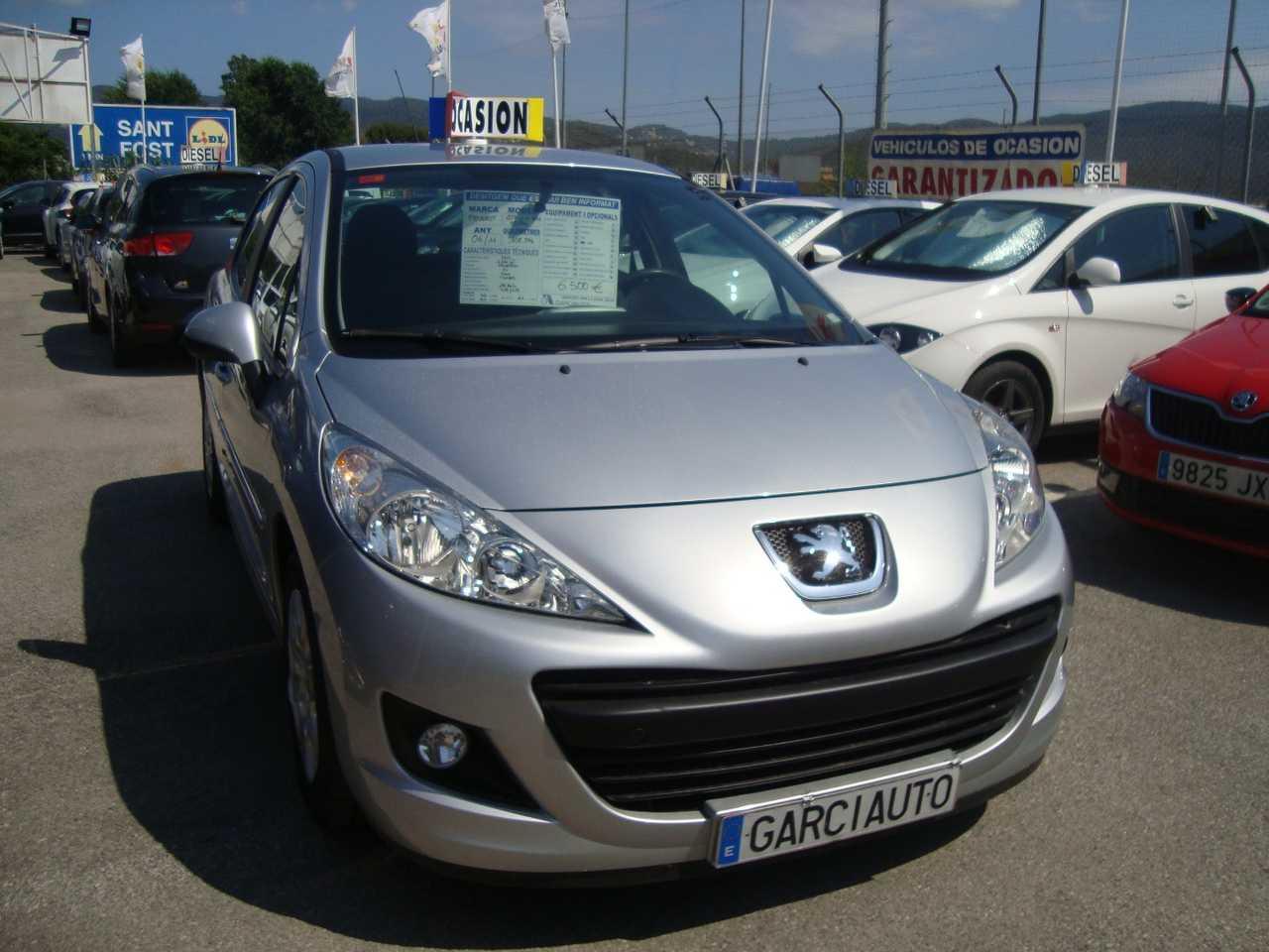 Peugeot 207 1.4 ACCES 75 CV 5 P   - Foto 1